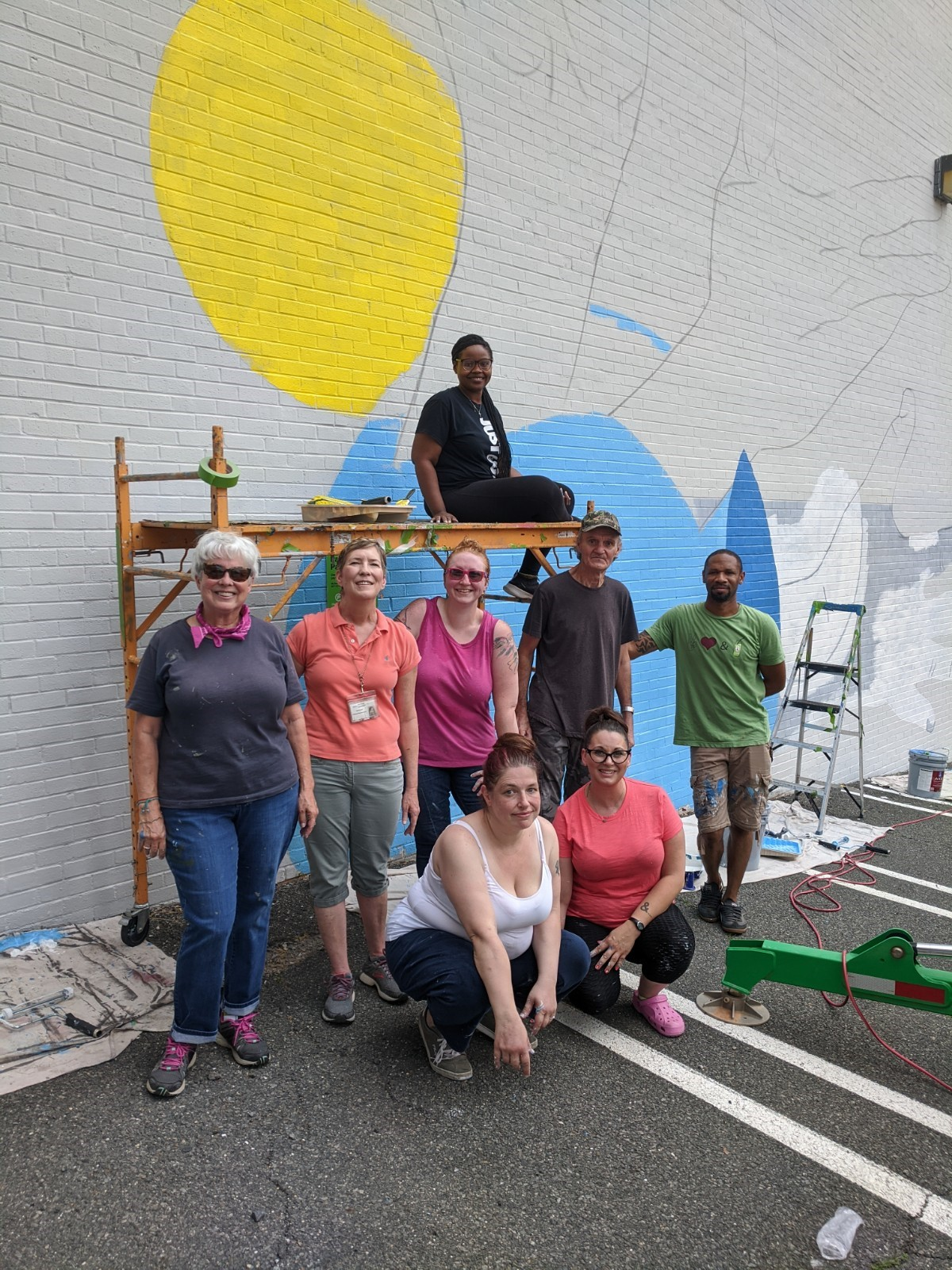 Building-Mural-with-Hamilton-Glass-begins21
